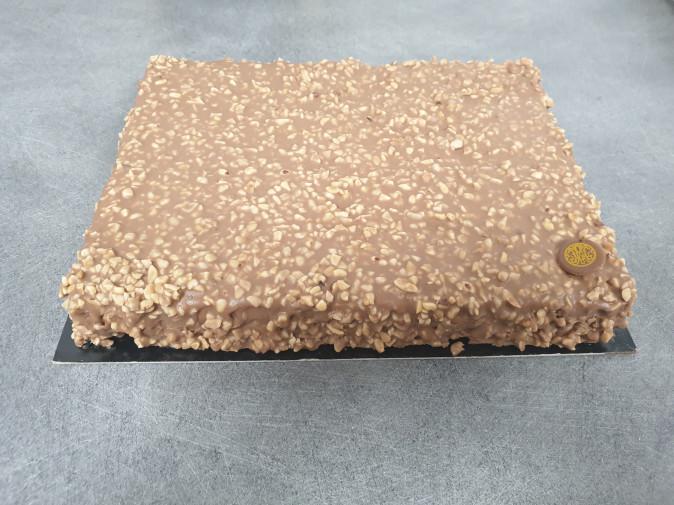 Entremets Chocolat Lait / noisettes